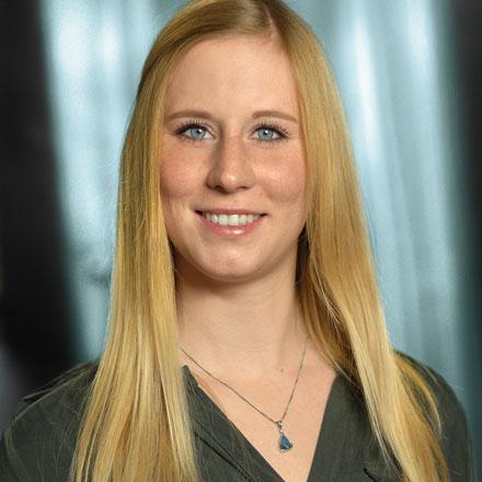 Julia Stoff